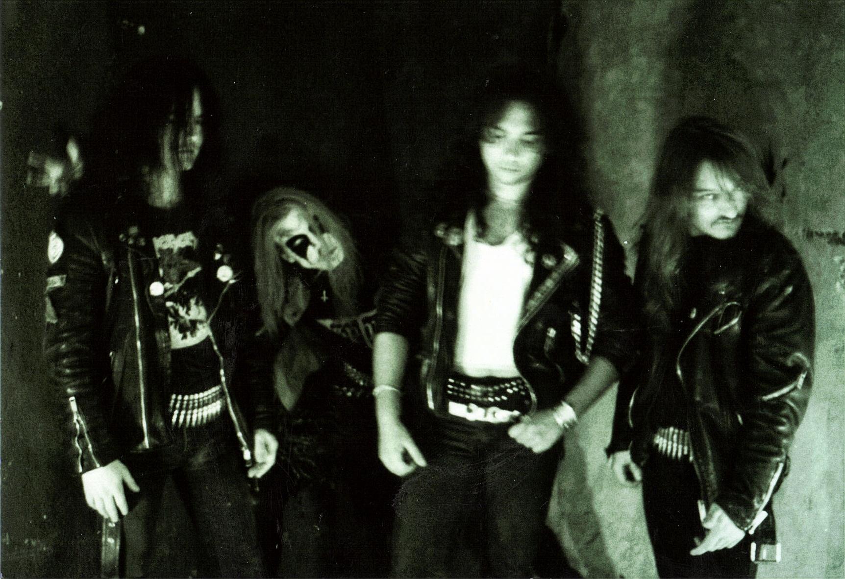 mayhem live 1990 a motley miscellany of oddities